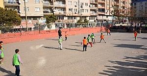 'Sınıflar Yarışıyor' futbol turnuvası devam ediyor