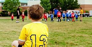 """Uzmanlar: """"Çocukları 13 yaşından önce spora yönlendirmeyin"""""""