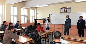 """Vali Azizoğlu, """"Muhtaç öğrencinin vebali benden sorulur"""""""
