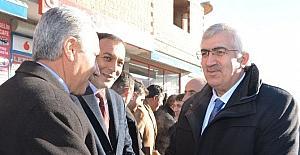 AK Parti İl Başkanı Öz, Çat ve Aşkale'de konuştu