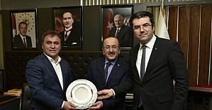 Başkan Gümrükçüoğlu, Gümüşhane'de bir dizi ziyarette bulundu