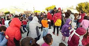 Bozyazılı öğrencilere karne hediyesi kar