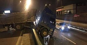 Bursa'da sürücüsüz tır korku dolu dakikalar yaşattı