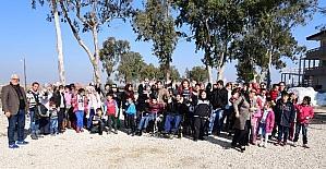 Engelli çocuklar Adana'da karla buluştu