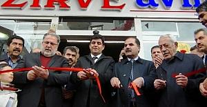 Erciş'in en büyük AVM'si hizmete girdi