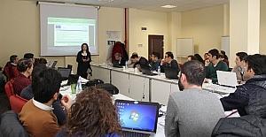 Erciyes Teknopark'ta, akademisyenlere Erasmus fonlariyla ilgili proje yazma eğitimi düzenlendi
