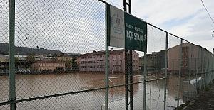 Eylül ayı içerisinde sel felaketi sonrasında kullanılamaz hale gelen Beşikdüzü İlçe Stadyumu yapılması için ihaleye çıkılıyor.
