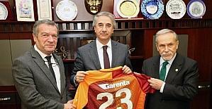 Galatasaraylı yöneticilerden Başkan Yanılmaz'a ziyaret