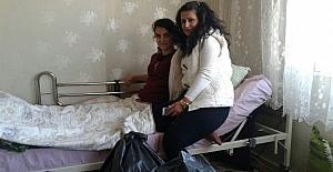 Güneydoğu Engelli Hakları Derneği'nden yatağa mahkum kıza destek