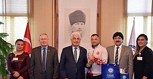 Güreşçi Zabıta'dan Başkan Gürün'e Ziyaret