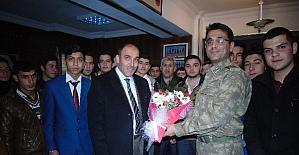 İHL öğrencileri askerleri ziyaret etti