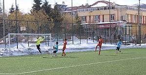 Karaman'da genç erkekler futbol il birinciliği müsabakaları sona erdi