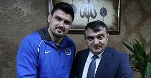 Kocaeli Büyükşehir Kağıtspor 2017'ye altın madalya ile başladı