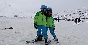 Kop Kayak Merkezinde kayak ve kızak keyfi