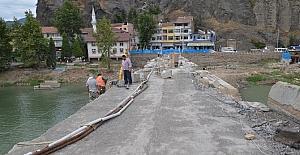 Koyunbaba Köprüsü'ndeki restorasyon çalışmalarının durmasına tepki