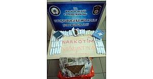 Malatya'da 182 adet uyuşturucu hap, 1 kilo 595 gram esrar ele geçirildi