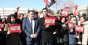 Niğde CHP 'Ayağa kalkıyoruz' sloganıyla meydanlarda
