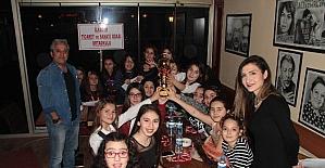 Öğrenciler birinciliklerini kutladılar