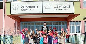 Öğrencileri için oyuncak toplama kampanyası başlattı