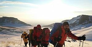 Patika Doğa Sporlar Kulübü Başet Dağı kış tırmanışı