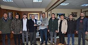 'Polis Özel Harekat' kursuna katılan gençlerden Başkan Erener'e ziyaret