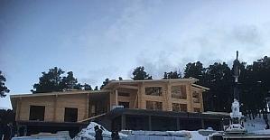Sarıkamış'ta Kütük ev tamamlanıyor