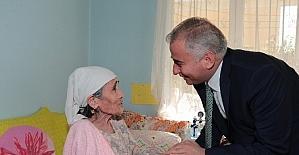 'Sevgi Eli' 125 bin kişiye yardım eli uzattı