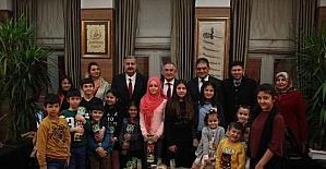 Sevi Evleri'nde kalan çocuklardan Başkan Yılmaz'a ziyaret