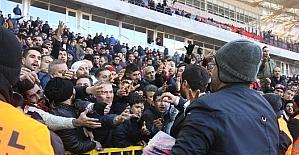 Tarihi maça 500 özel güvenlik görevlisi tanık oldu