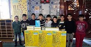 Ufka yolculuk gönüllüleri, 'Kuran ile bir saat baş başa' programı düzenledi