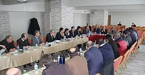Vali Çınar, tekstil sektörü temsilcileriyle bir araya geldi