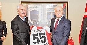 Vali Şahin'e Samsunspor forması