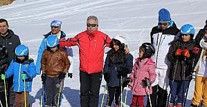 Vali Toprak'tan kayakseverlere davet