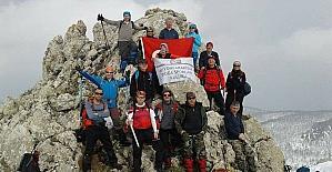AFDOS üyeleri, Sultandağı Koyak zirvesine yürüdü