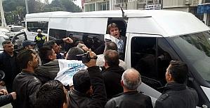 Aydın'da Eğitim-Sen eylemine polis müdahalesi; 5 gözaltı
