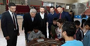 Başkan Karaosmanoğlu, sporcu test çalışmalarını inceledi