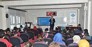 Başkanı Polat öğrencilerle tecrübelerini paylaştı