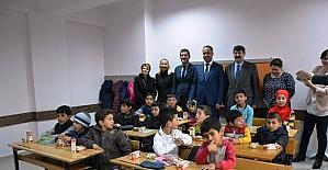 Biga'da Suriyeli çocuklar için sınıf açıldı
