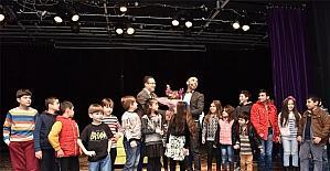 Bornova'da Mıknatıs, Sekin ve ailesi için sahnelendi