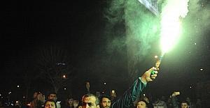 Bursasporlu taraftarlardan yönetime tepki
