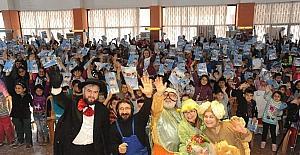 Büyükşehir Tiyatrosu Karacasu'da sahne aldı