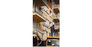 Denizli'de bir evden 3 kamyon çöp çıktı