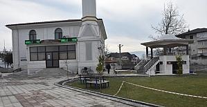 Düzce Belediyesi camilerin çevresine düzenleme yapıyor
