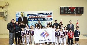 (Düzeltme) Final Okulları jimnastikte 5 dalda 4 birincilik elde etti