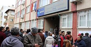 Edirne'de İŞKUR önünde uzun kuyruk oluştu