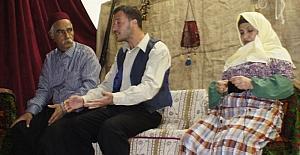 FETÖ'nün darbe girişimi tiyatroyla anlatıldı