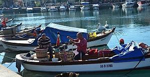 Foça Belediyesi Deniz Öyküleri Yarışması başlıyor