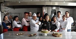 GASMEK Türkiye'nin en iyi on yemek kursu arasına girdi