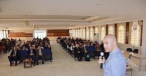 Harran Üniversitesinde akılcı ilaç kullanımı semineri