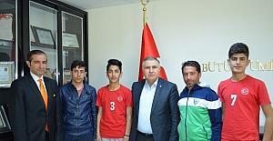 Hokey milli takımına Adıyaman'dan 3 sporcu seçildi
